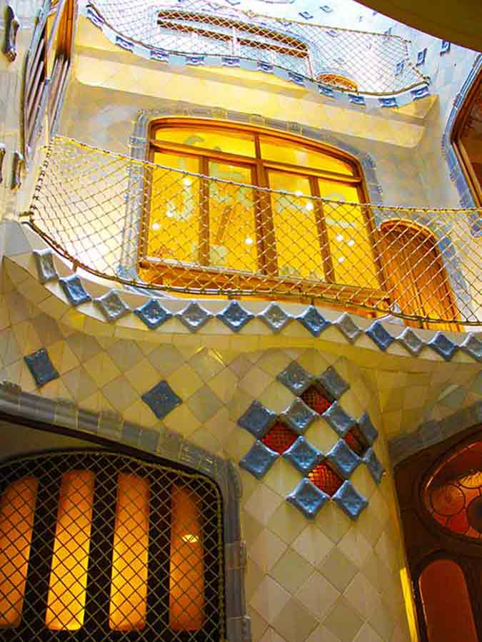 Antoni Gaudi, Casa Batlló interior, photo by Wieslaw Sadurski