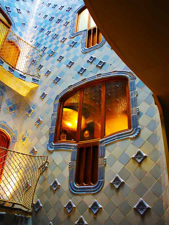 Antoni Gaudi, Casa Batlló window inside the ventilation system, photo by Wieslaw Sadurski