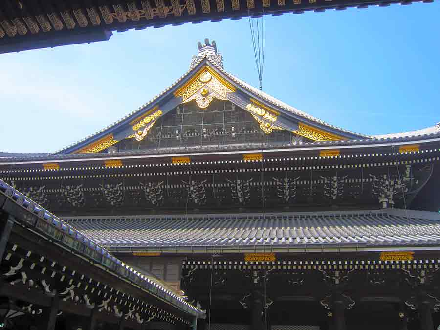 Higashi Honganji Temple in Kyoto, photo by Wieslaw Sadurski