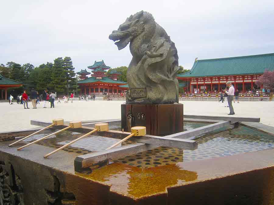 Heian Shrine Kyoto, photo by Wieslaw Sadurski