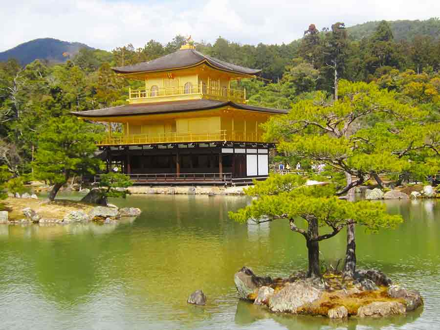 Golden Kinkaku-ji Temple Kyoto, photo by Wieslaw Sadurski