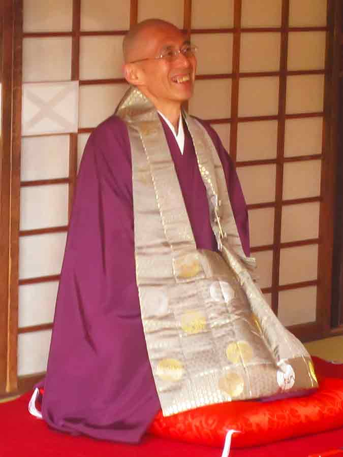 Smiling Tofukuji Zen Master in Kyoto, photo by Wieslaw Sadurski