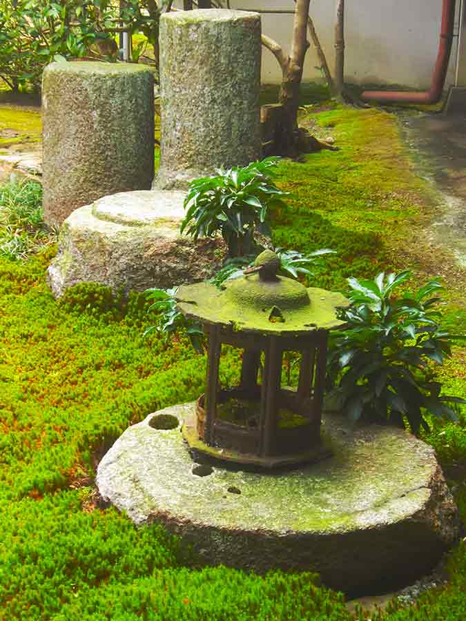 Tofukuji Zen Eastern Garden in moss, photo by Wieslaw Sadurski