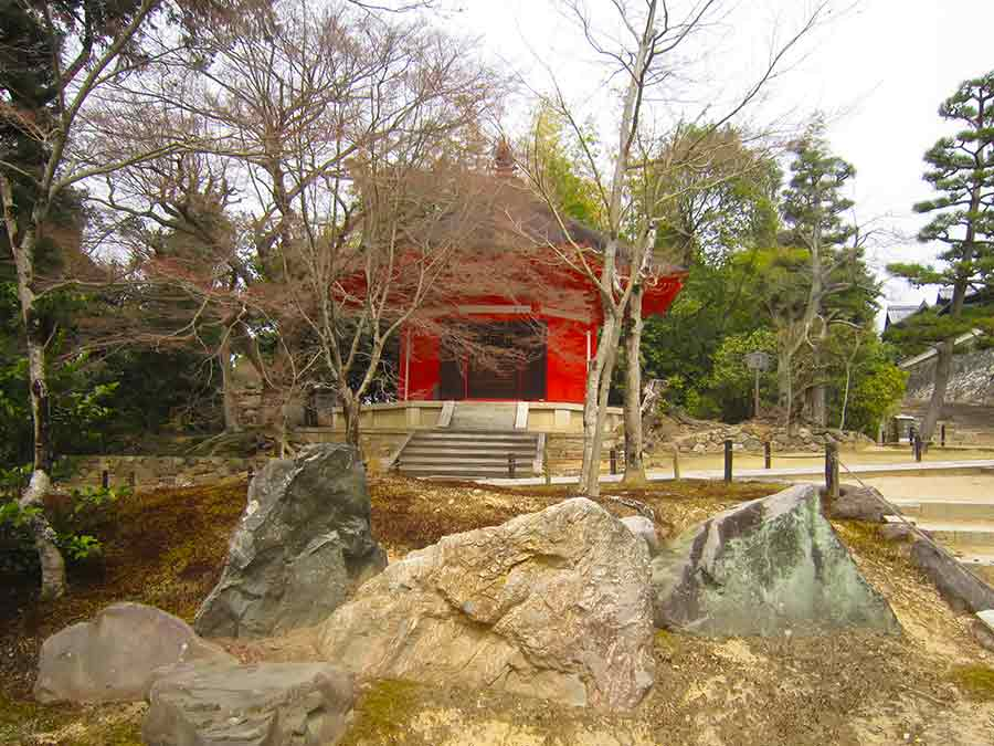 Trees Stones and Pavillion in Tofukuji Zen Garden in Kyoto, photo by Wieslaw Sadurski